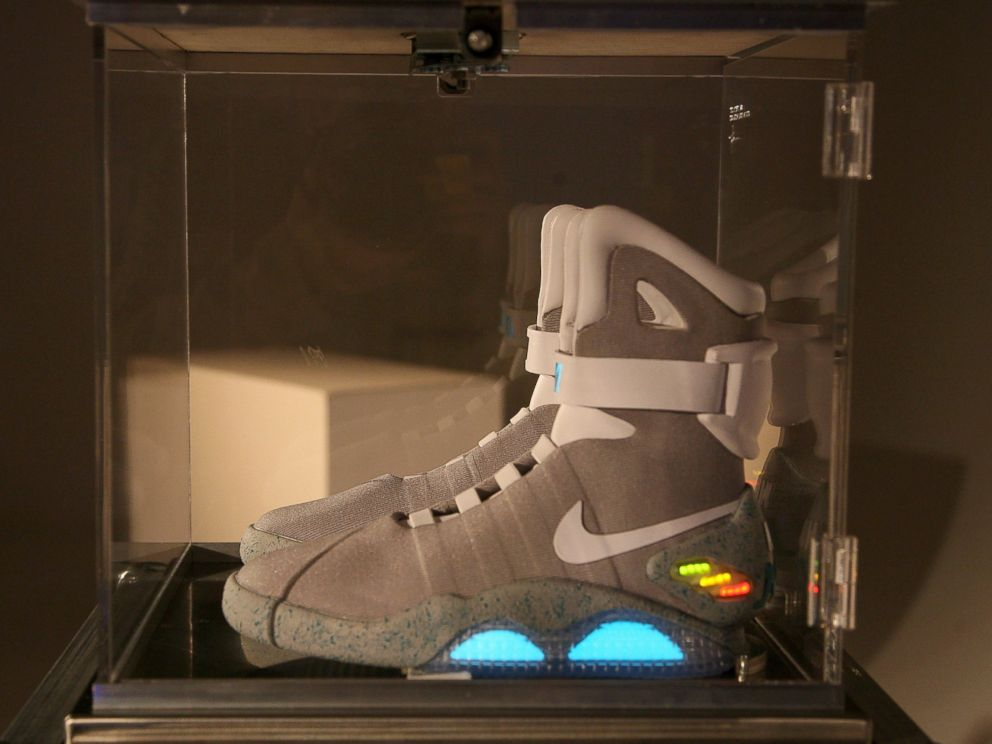 info for ffa39 e020c Nike Sending First 'Back to the Future' Self-Tying Shoes to ...