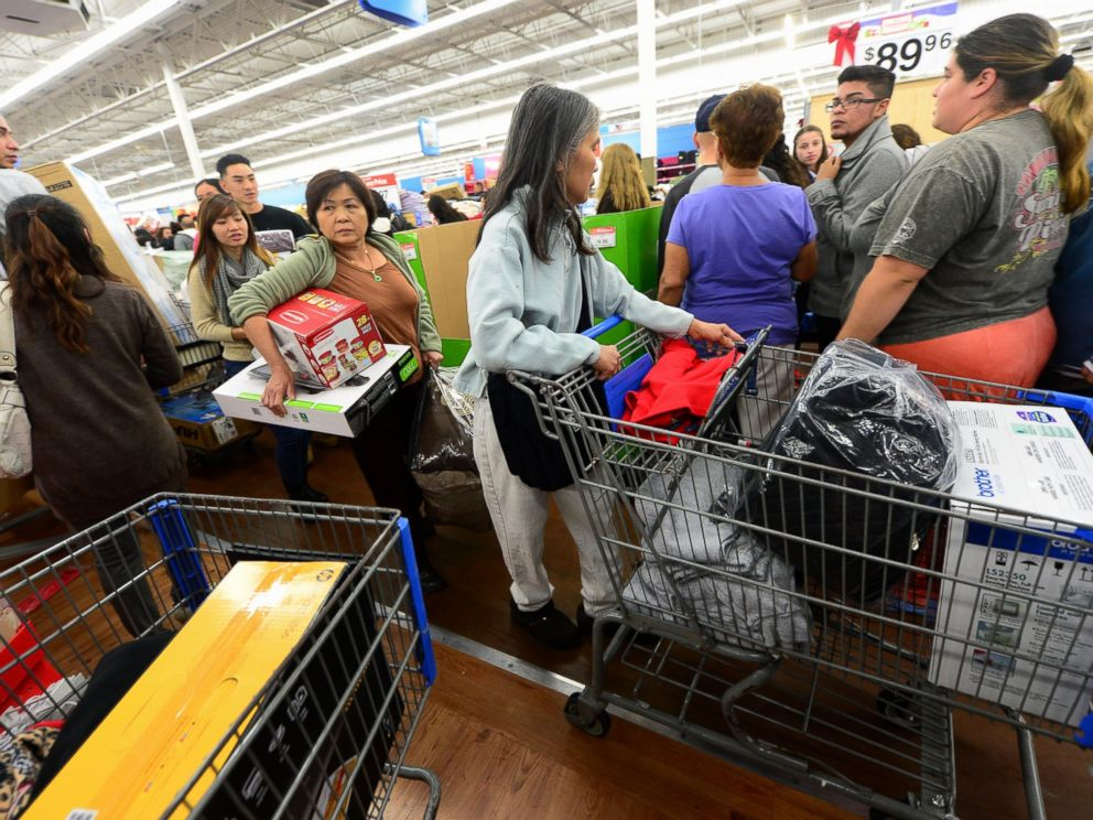 PHOTO: People get an early start on Black Friday shopping deals at a Walmart Superstore on Nov. 22, 2012 in Rosemead, Calif.