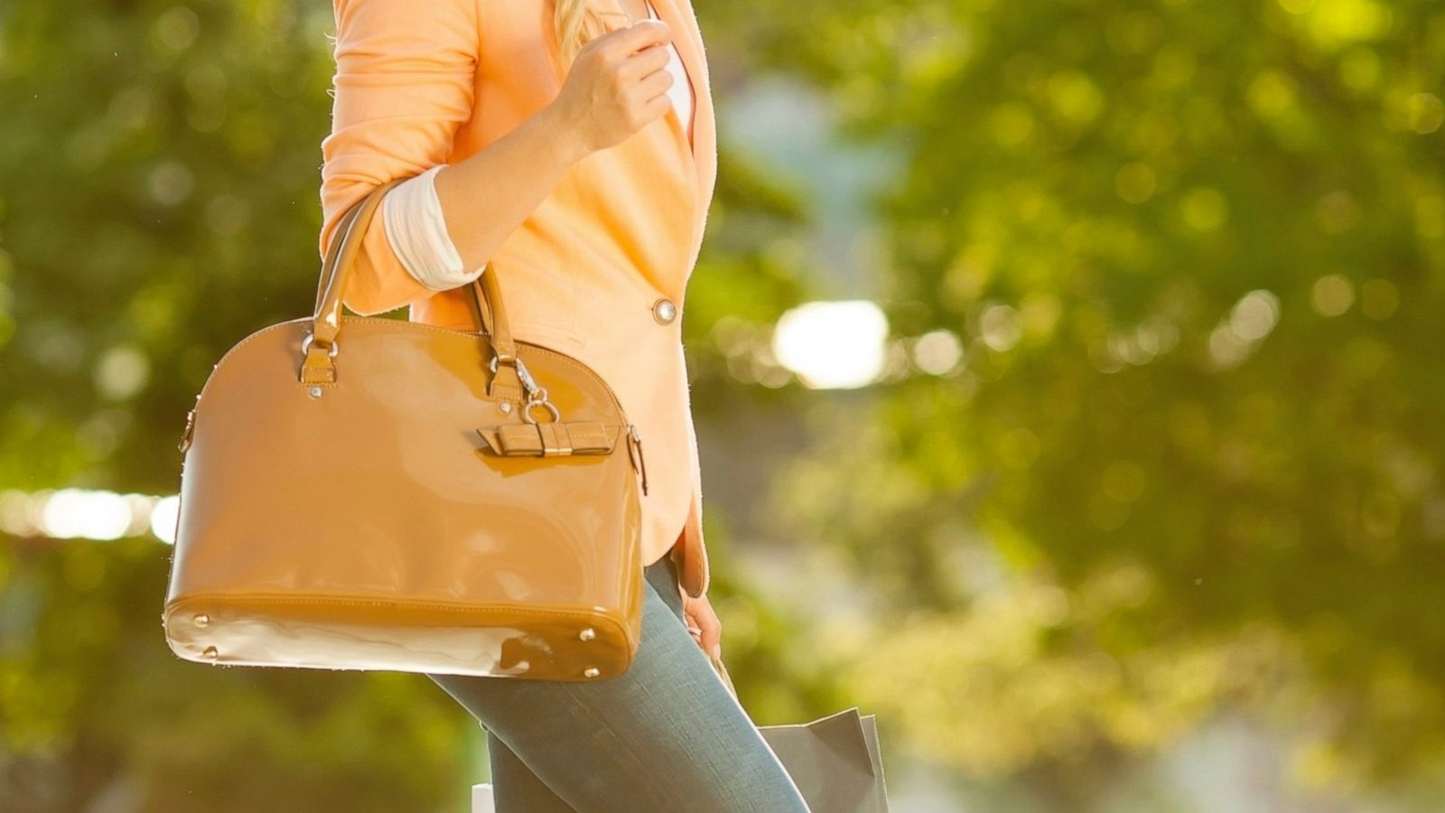Selling Your Designer Handbag  Where Could You Net the Most Cash  - ABC News ec0b2b448cba4