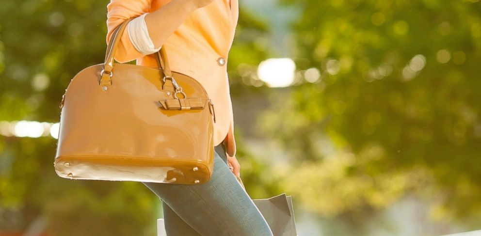 Selling Your Designer Handbag  Where Could You Net the Most Cash  - ABC News 4565e4f831