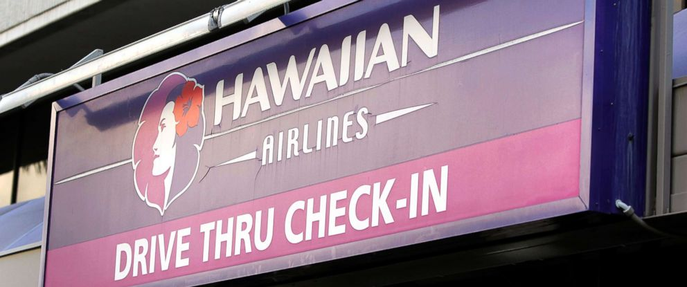 PHOTO A Sign Directing Travelers To Drive Thru Check In At Hawaiian Airlines Inc