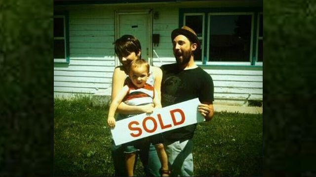 PHOTO: Jonathan and Beth Hankins found out their new home is a former meth lab.