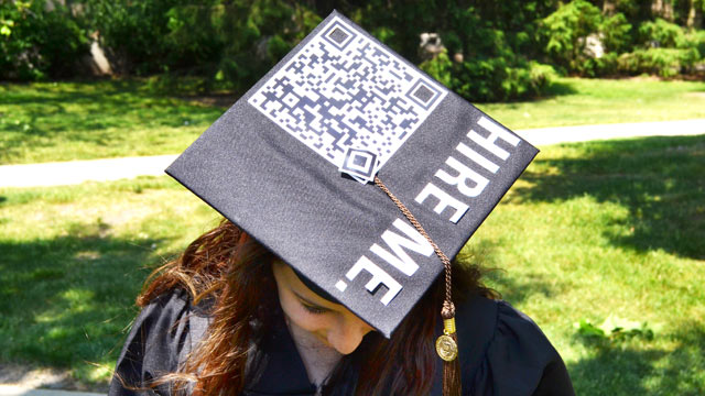 Student Turns Graduation Cap into \'Hire Me\' Billboard with QR Code ...