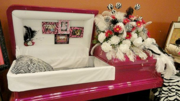 """PHOTO: Til We Meet Again, a company specializing in caskets and urns, has outlets in malls in Texas, Louisiana, Indiana, and Kansas. This is a """"diva"""" themed casket."""