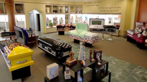 PHOTO: Til We Meet Again, a company specializing in caskets and urns, has outlets in malls in Texas, Louisiana, Indiana, and Kansas.