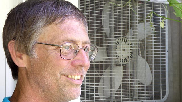 PHOTO:Don Cox thrives in 109-degree heat despite having turned off the air-conditioner.
