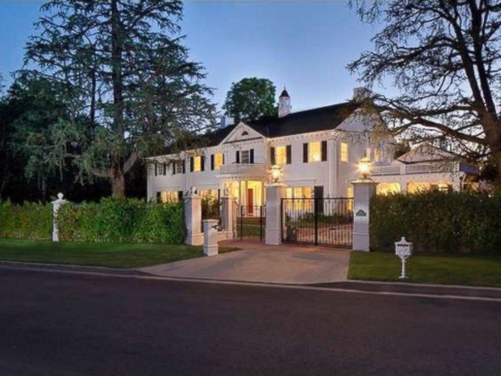 PHOTO: The median home price on Copa De Oro Rd in Los Angeles, Calif. is $10.264 million.
