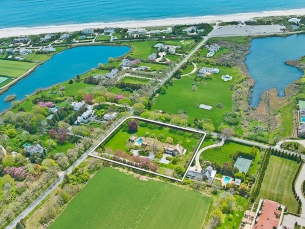 PHOTO: Coopers Neck Lane, Southampton New York, has a median home value of $11.872 million.