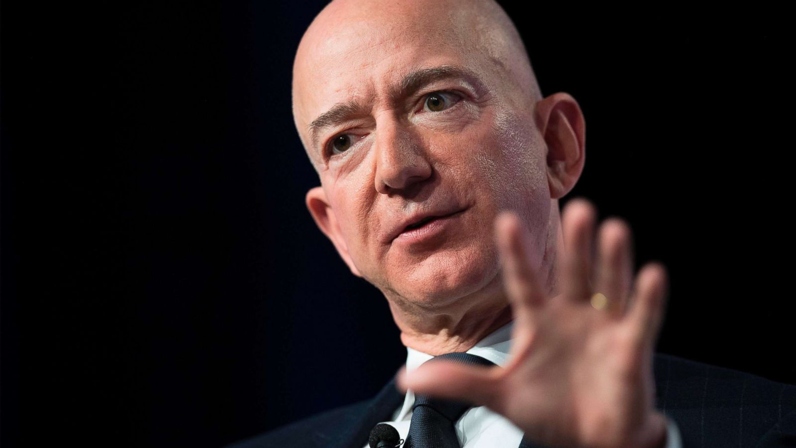 Prosecutors Reviewing Jeff Bezos Allegations Of Extortion Against National Enquirer S Parent Company Source Abc News