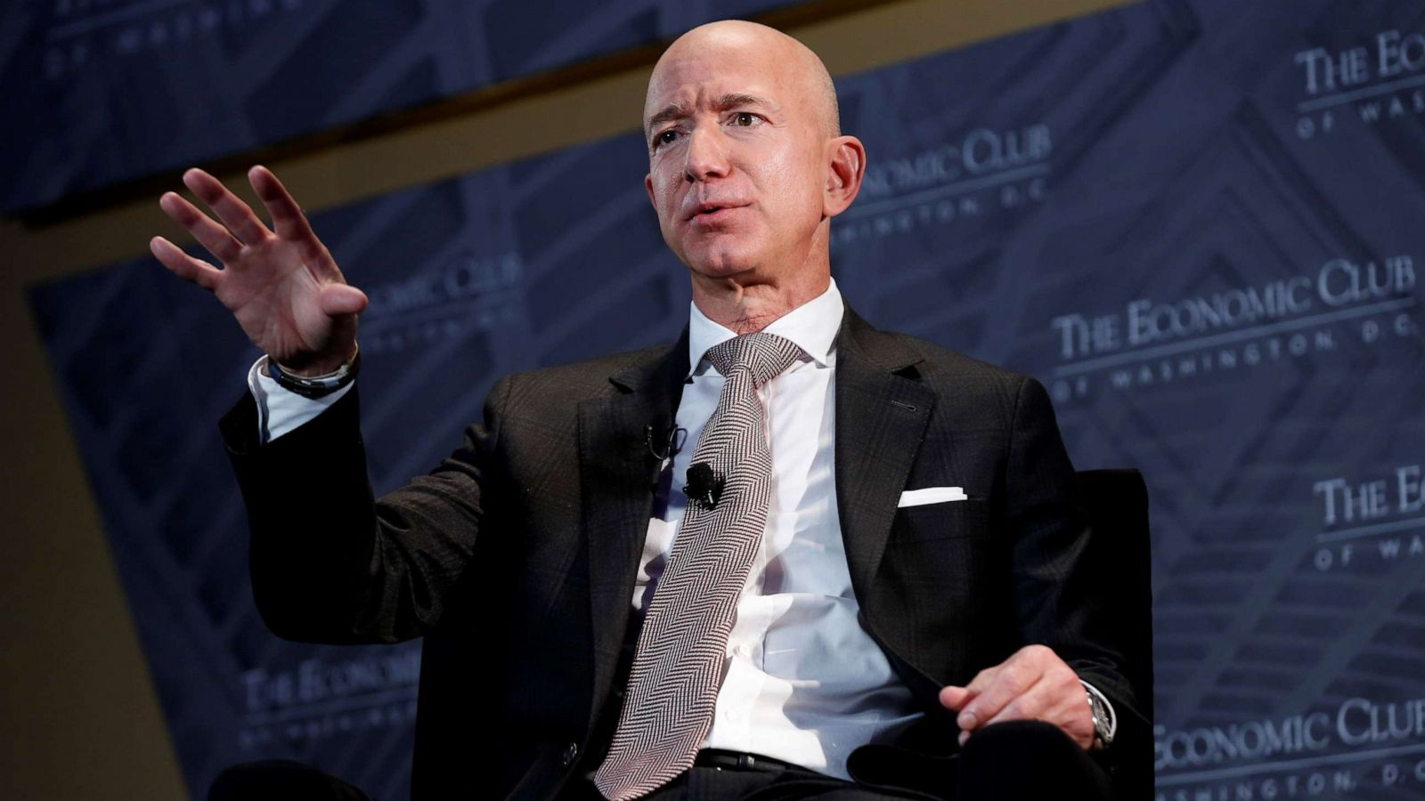Give me a picture of jeff bezos