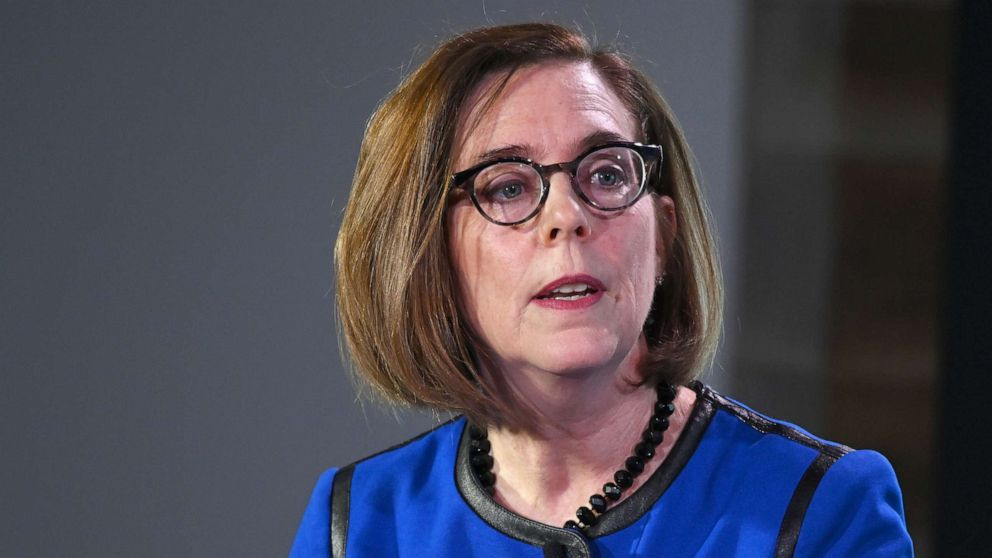 Oregon governor slams state troopers seen refusing to wear masks: 'Absolutely unacceptable'
