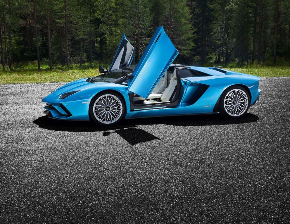 PHOTO: Lamborghini Aventador S Roadster