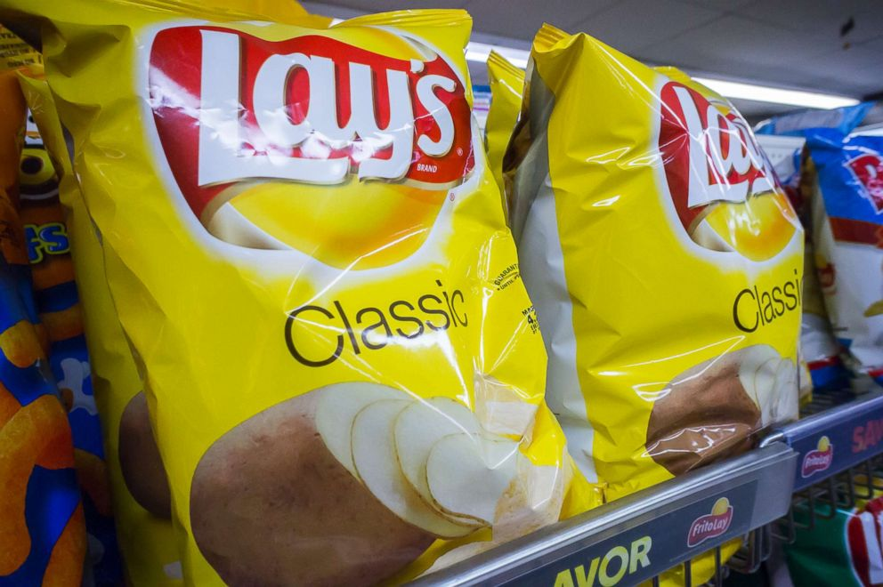 PHOTO: A display of PepsiCo Frito-Lay potato chip snacks in a supermarket in New York, Feb. 12, 2015.