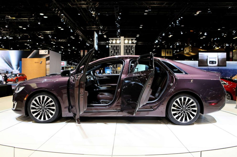 PHOTO: Lincoln MKZ is pictured on display at the 108th Annual Chicago Auto Show at McCormick Place in Chicago, Feb. 12, 2016.