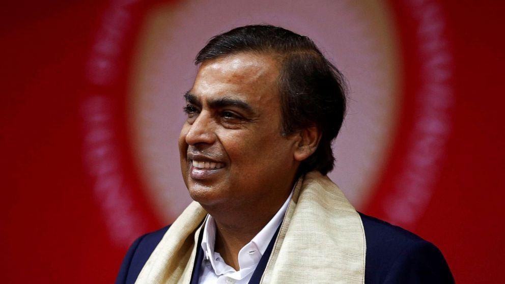 Ο πλουσιότερος άνθρωπος της ασίας, λαμβάνοντας Amazon με τη νέα υπηρεσία ηλεκτρονικού εμπορίου στην Ινδία