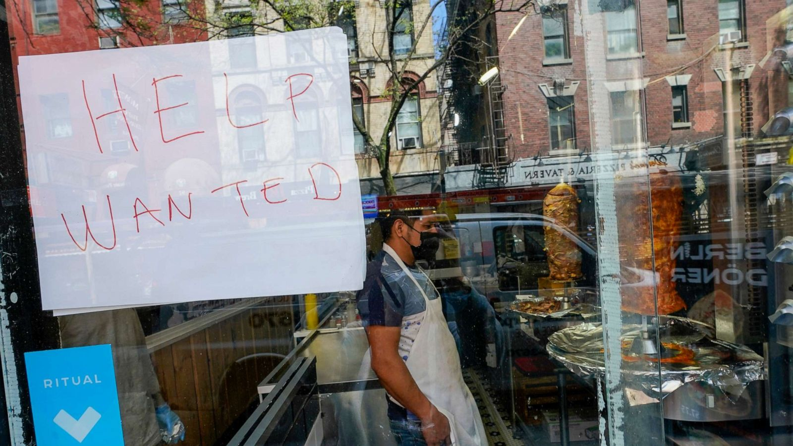 Why restaurants are having a hard time finding staff right now - ABC News