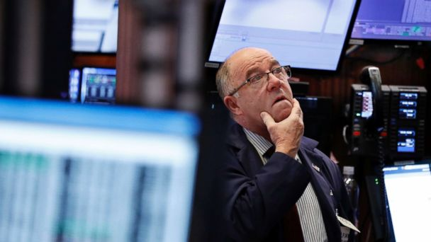US stocks bounce back after posting early losses