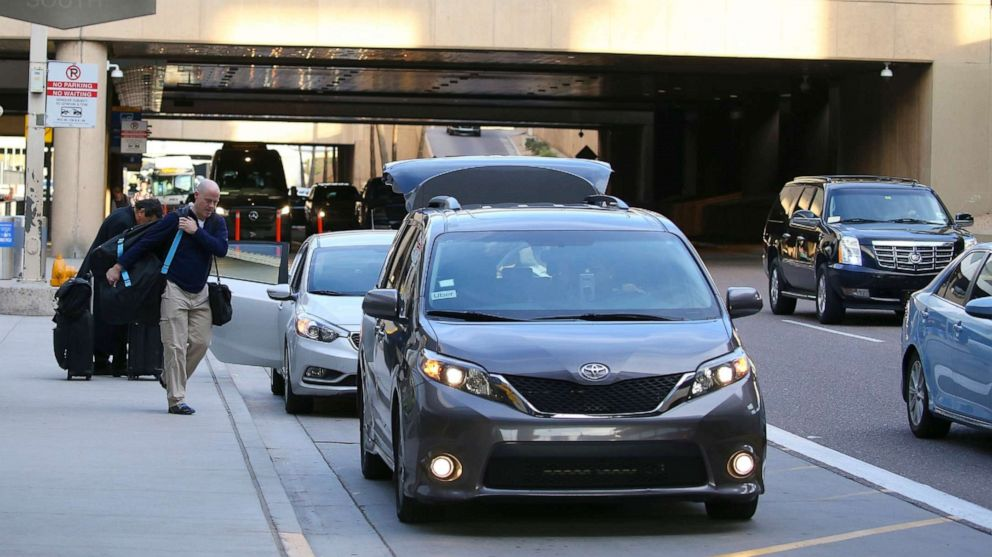 A $4 fee for rideshares to and from the Phoenix airport may be unconstitutional, Arizona AG says