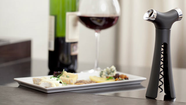 PHOTO: Verseur wine opener.