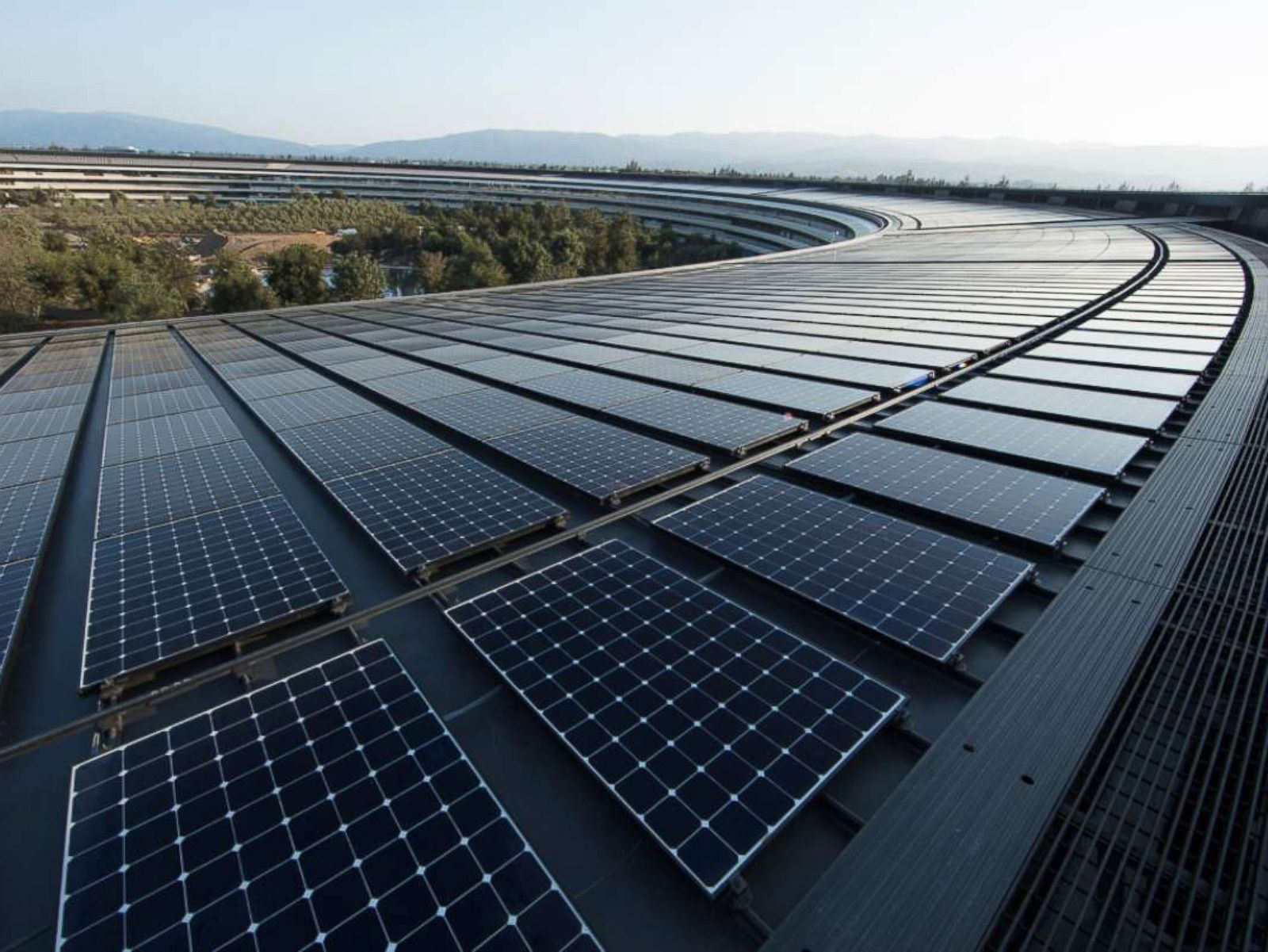 Apple's headquarters, facilities now powered by 100 percent