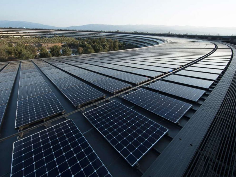 PHOTO: Apple's new headquarters in Cupertino, Calif. is powered by 100 percent renewable energy, in part from a 17-megawatt onsite rooftop solar installation.