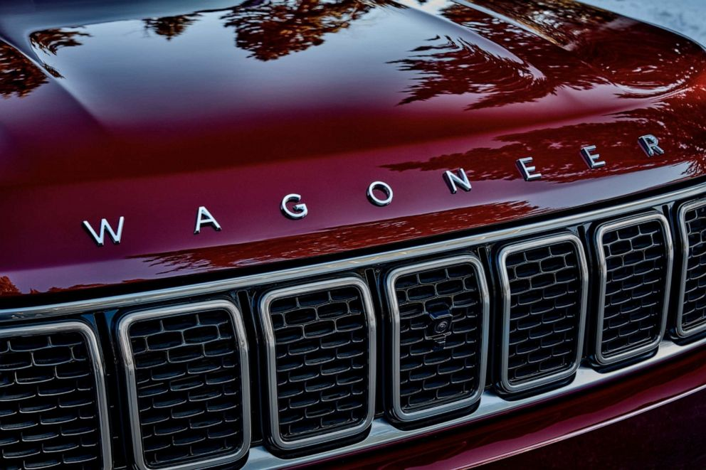 PHOTO: The all-new 2022 Wagoneer features Jeep's legendary seven-slot grille.