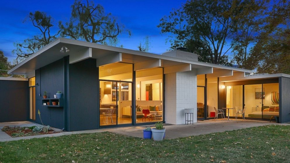 Mid century homes for sale photos abc news for Cost to build mid century modern home