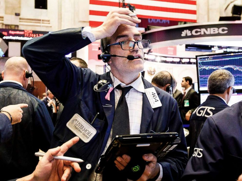PHOTO: Traders work on the floor of the New York Stock Exchange in New York, Dec. 2018.
