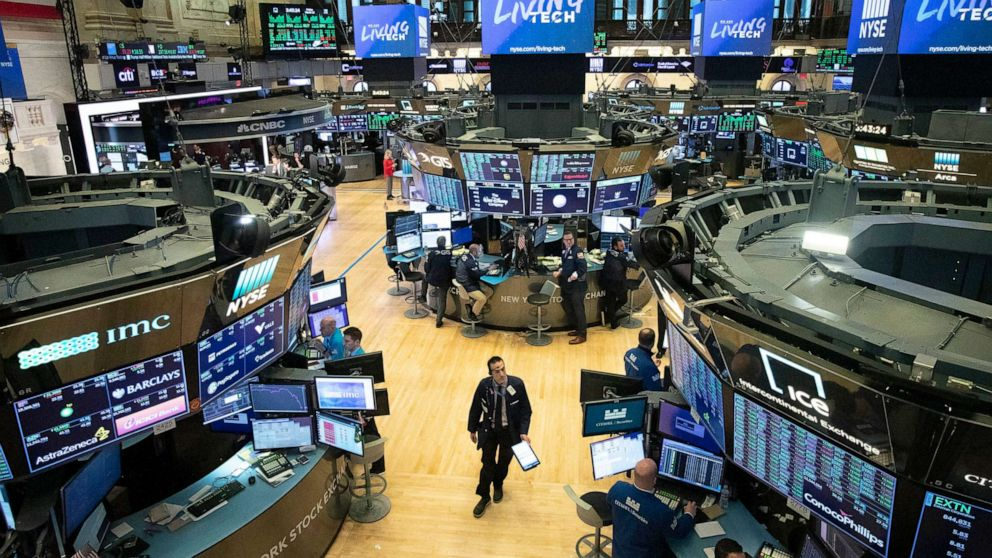 Stock market futures plummet despite Fed intervention thumbnail