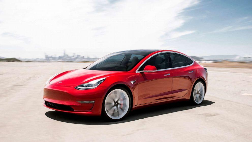 Tesla ruft unbeabsichtigten Beschleunigung Beschwerden
