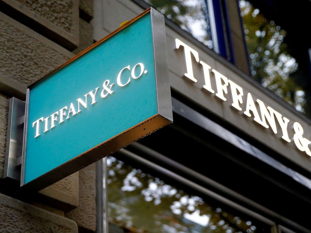 PHOTO: The logo of U.S. jeweller Tiffany & Co. is seen at a store at the Bahnhofstrasse shopping street in Zurich, Switzerland, Oct. 26, 2016.