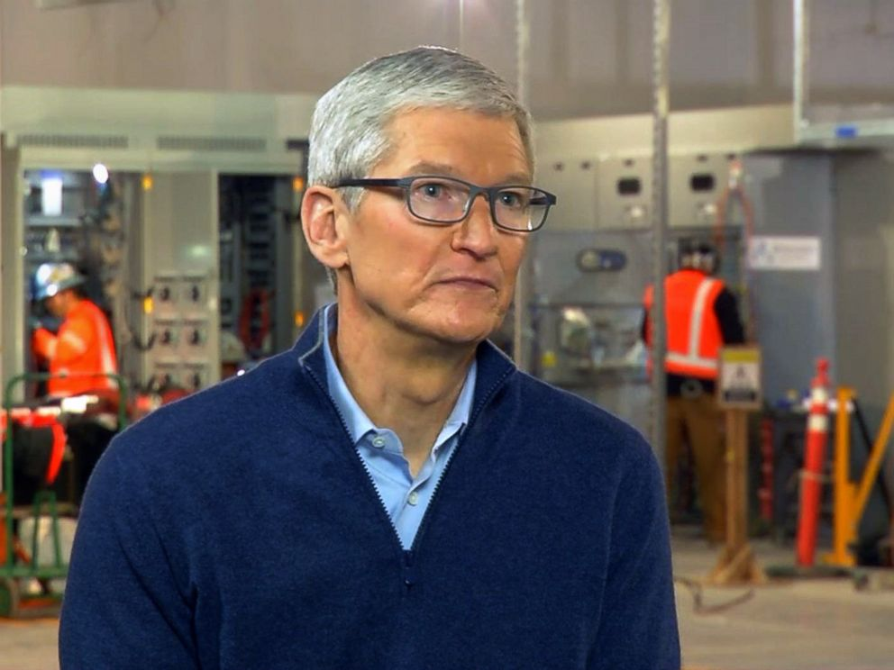 PHOTO: Apple CEO Tim Cook is interviewed by ABC News in Reno, Nev., Jan. 17, 2018.