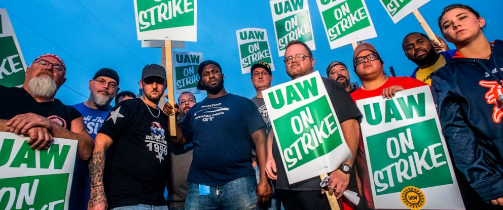 PHOTO: General Motors employees, UAW members and labor supporters are shown outside of the Flint Assembly Plant on Monday, Sept. 16, 2019, in Flint, Mich.