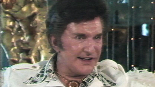 VIDEO: Liberace intervew with ABC News in 1981.