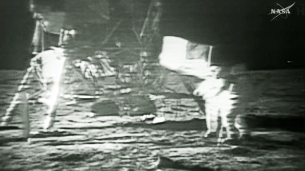 Man on the moon landing u.s