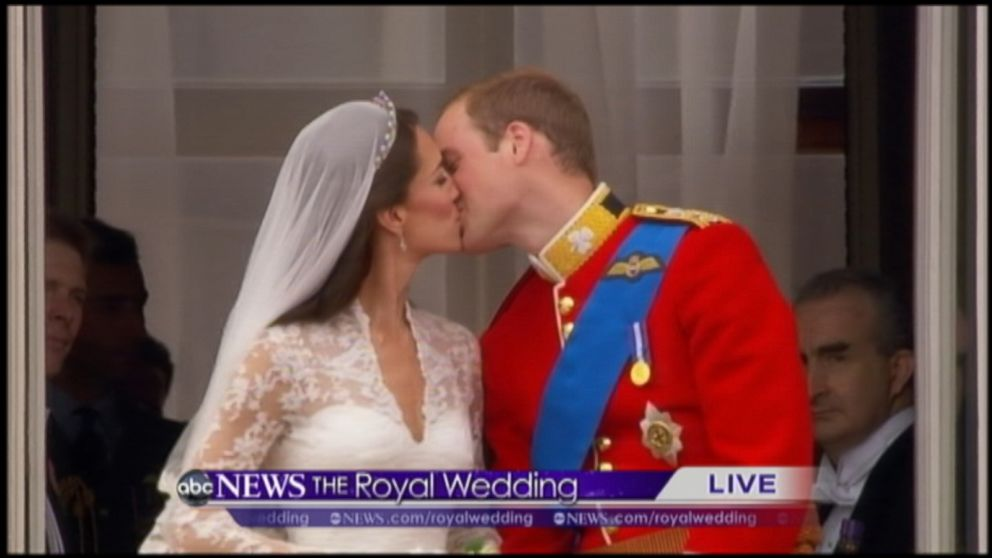 Archival Video Prince William And Kate S Wedding Day Balcony Kiss