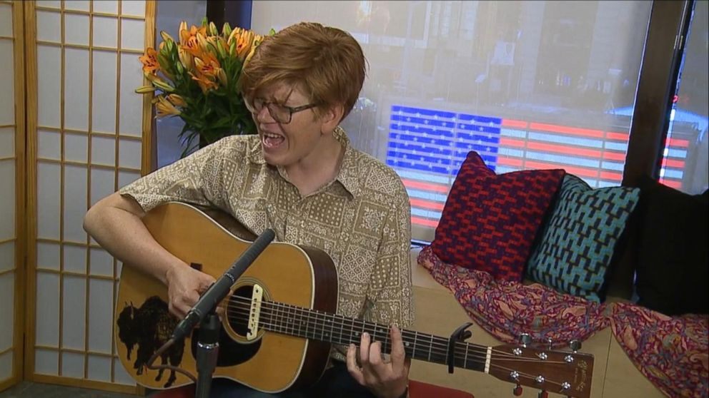 Musician Brett Dennen Performs 'I'll Be on Your Side'