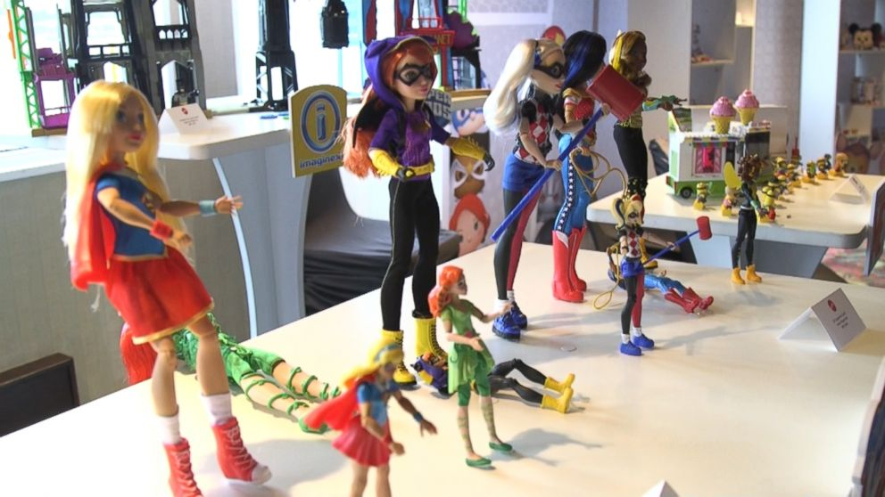 VIDEO: The Toy Insider Mom Talks Female Superhero Dolls