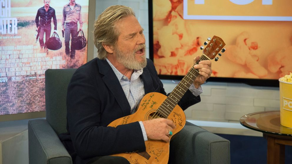 Jeff Bridges Sings I Don T Know From Crazy Heart Video Abc News