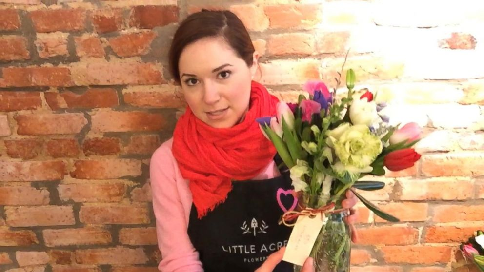 How to make a beautiful Valentine\'s day flower bouquet Video - ABC News