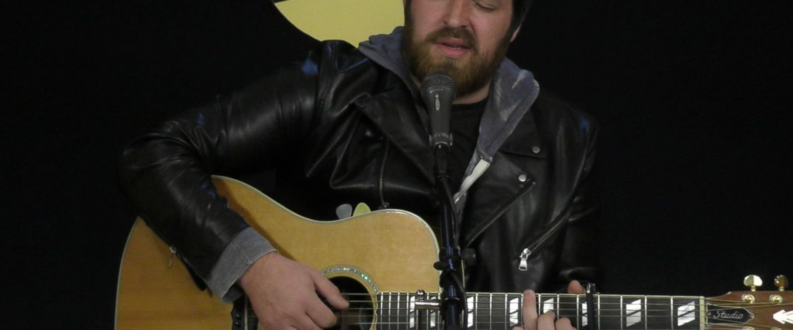 VIDEO: Singer-songwriter Lee DeWyze performs on 'Live From the Couch'