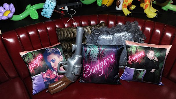 "PHOTO: Miley Cyrus attends the official album release party for ""Bangerz"" at The General, Oct. 8, 2013, in New York City."