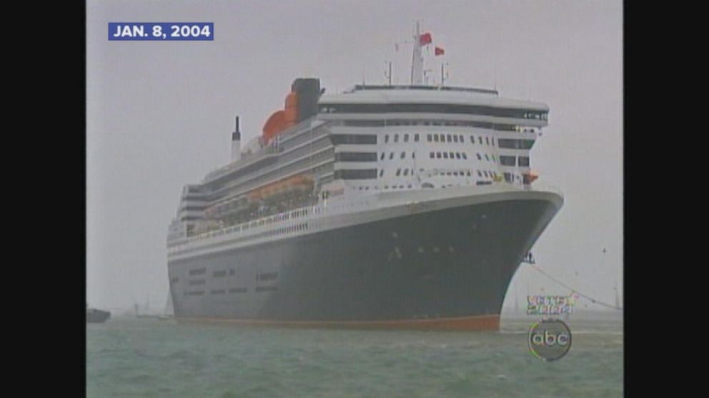 Queen Elizabeth christens worlds largest passenger ship Queen Mary II.