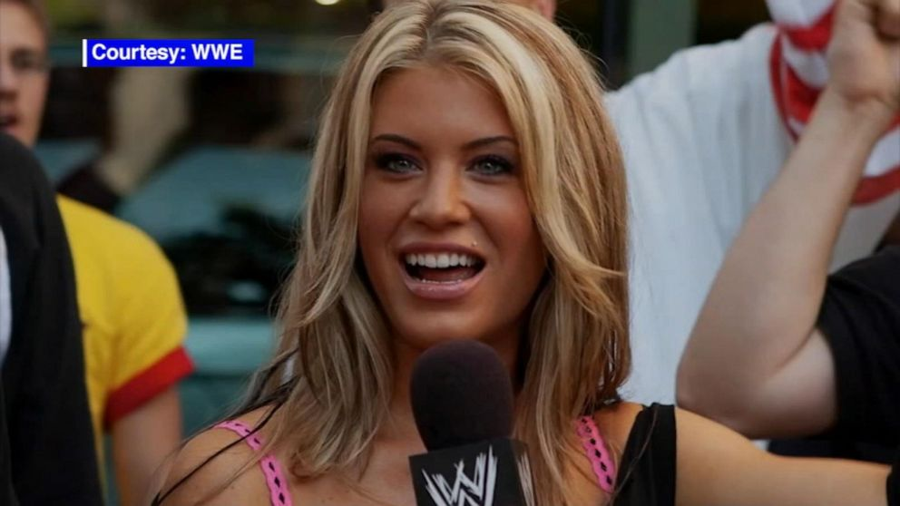 Former WWE star Ashley Massaro dies at 39
