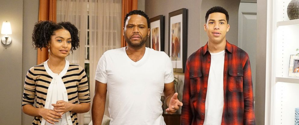 """PHOTO: Yara Shahidi, Anthony Anderson, Marcus Scribner appear in a scene from the show """"Blackish."""""""