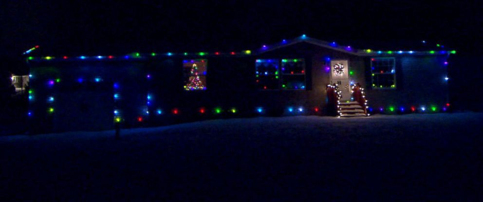 ohio man lets the internet control his homes christmas lights