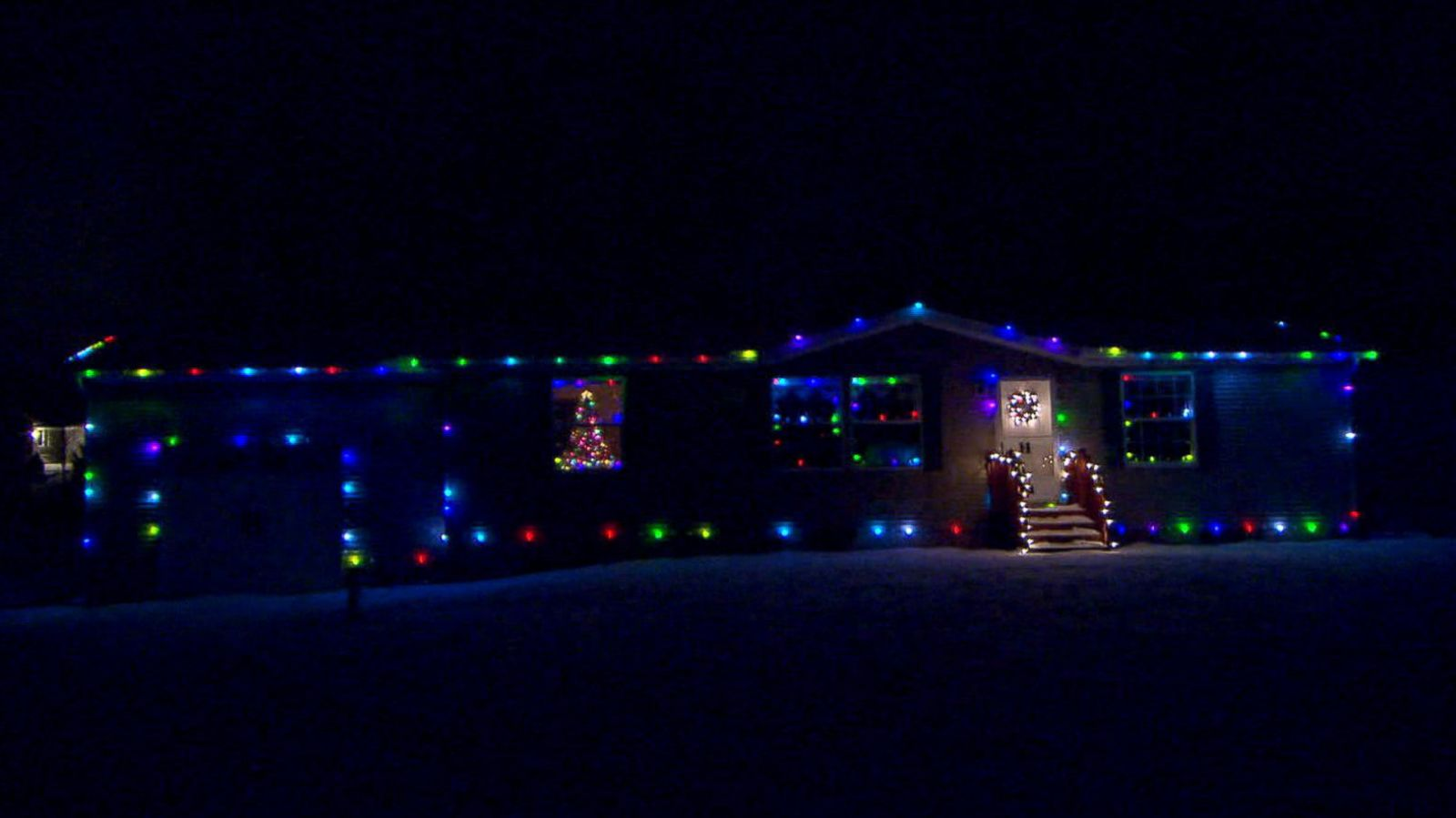 Ohio Man Lets the Internet Control His Home\'s Christmas Lights - ABC ...