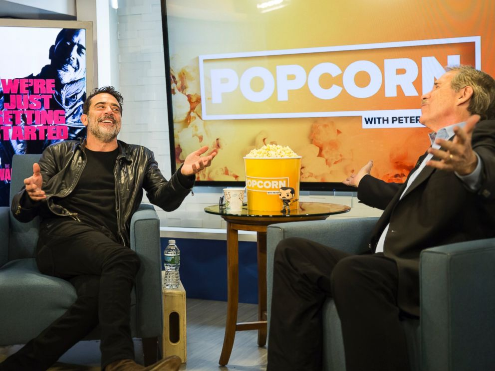 PHOTO: Jeffrey Dean Morgan is seen here with Peter Travers at the ABC Studios in New York, Nov. 30, 2016.