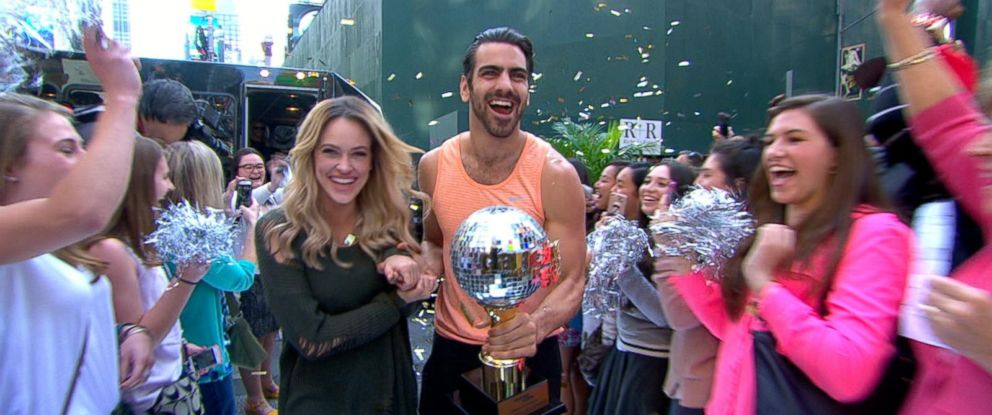 """PHOTO: """"Dancing With the Stars"""" season 22 champions Nyle DiMarco and Peta Murgatroyd visited """"Good Morning America"""" in Times Square, May 25, 2016."""