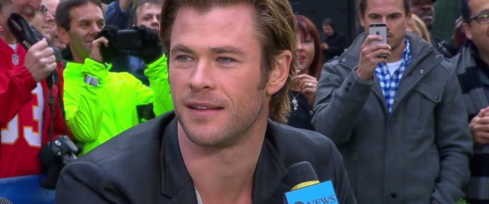 "PHOTO: Chris Hemsworth appears on ""Good Morning America,"" Nov. 5, 2013."